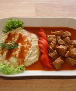 Lekkeressen - Kalbsragout mit Auberginen-Käsepüree
